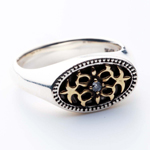 Oval Arabesque Ring